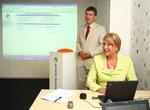 Ahti Allikas (Itella) ja Anne Samlik (Estravel) e-arvete süsteemi esitlusel.