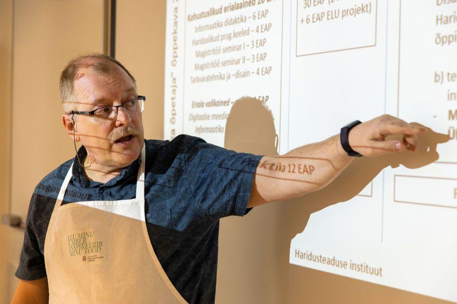 Tallinna Ülikool hakkab kiiresti leevendama informaatikaõpetajate põuda