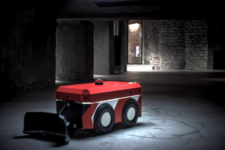 Juba sel aastal ilmuvad tänavatele Eestis tehtud tänavakoristuse ja lumelükkamise robotid